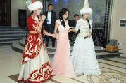 платье можно одеть и как свадебное и на вечер.