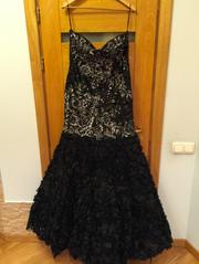 Шикарное вечернее платье расшитое бусинами и пайетками на корсете