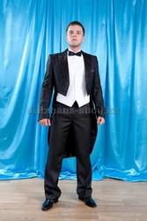Прокат костюмов и платьев для выпускного в школе и университете
