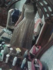 Вечернее платье(золотистого цвета)